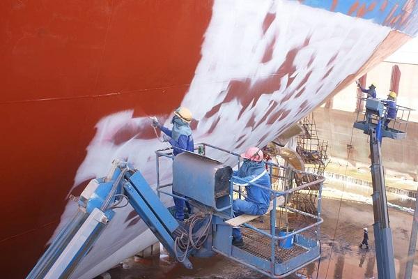 quy trình thi công sơn tàu biển đòi hỏi kinh nghiệm